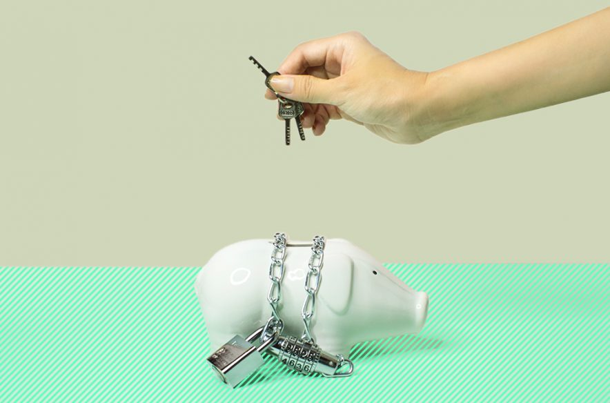 Photo to accompany story about how to open a savings account.