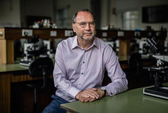 Dr. Peter Piot
