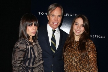 Tommy Hilfiger and his daughters