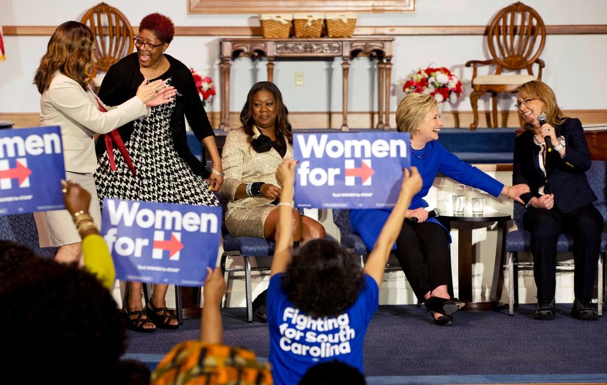 Hillary Clinton, Lucia McBath, Maria Hamilton, Sybrina Fulton, Gabrielle Giffords