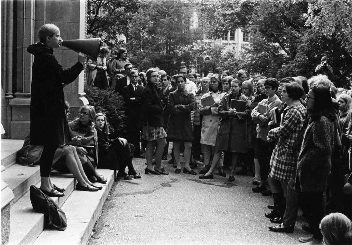 Hillary Rodham (center) attends a student rally at Wellesley College, on Oct. 8, 1968.