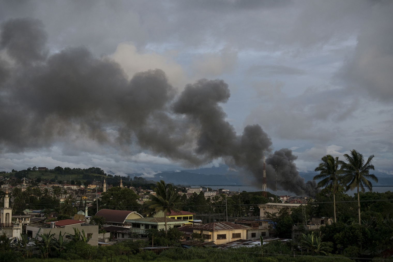 Smoke rises after aerial bombings by Philippine Air Force planes on Islamist militant positions in Marawi on June 9, 2017. Noel Celis—AFP/Getty Images