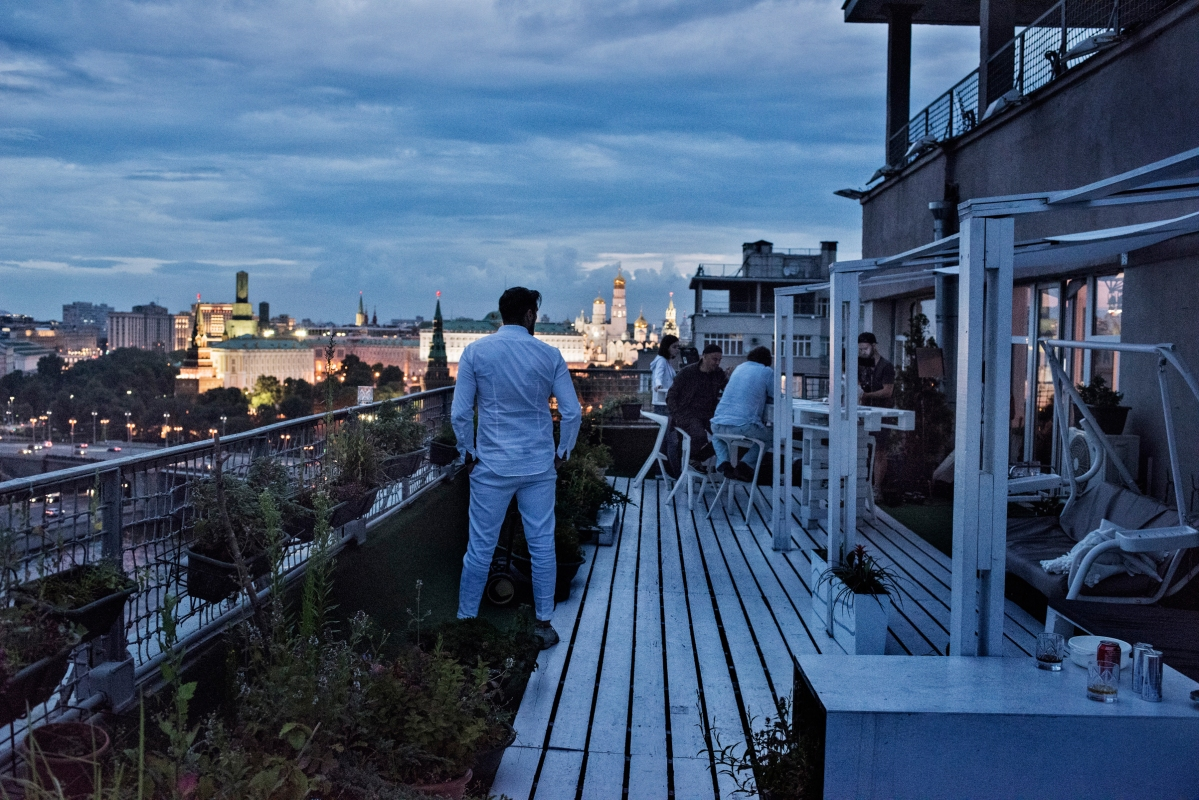 Rooftop University, A Friday evening event held by Departament, a marketing agency, that sponsors talks by professionals in media, culture, and business, Moscow, July 2015.
